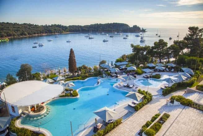 Die Pools des Monte Mulini Hotels i Rovinj. Foto: Frank Heuer