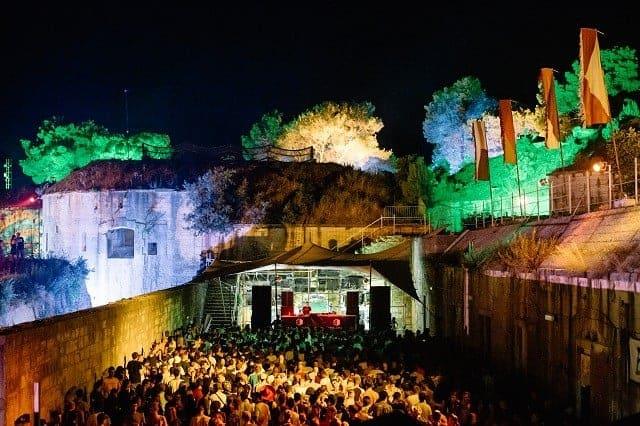 Das Fort Punta Christo während einem der Festivals. Foto: Marc Sethi