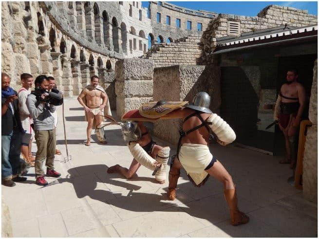 Komm Mit - Internationales Fußball Turnier Istria Cup 2014 - Einzug und Aufstellung aller Teams im Amphitheater von Pula