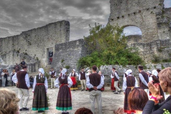 Dvigrad während einer Veranstaltung. Foto: Bernhard Siwek