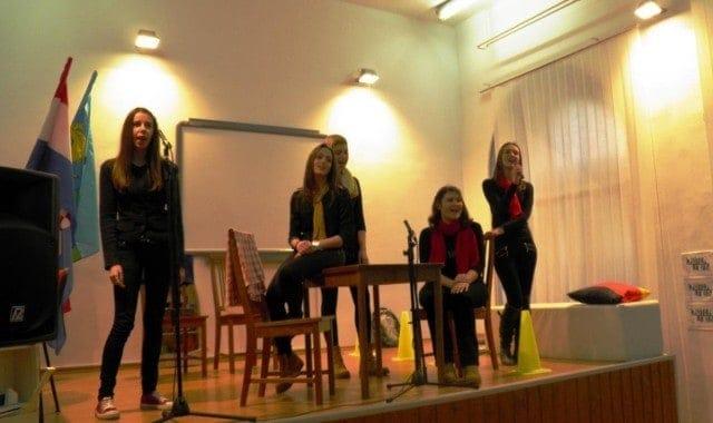 Emili, Roberta, Dorotea, Marijana und Lea singen auch auf Deutsch © PASCH-Team Pula