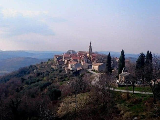Das mittelalterliche Draguć in Zentralistrien. Foto: Enio Pašalić