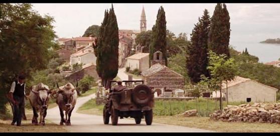 """Szene aus dem 2012 von George Lucas produzierten Film """"Red Tails"""" vor Draguć. Foto: Screenshot"""