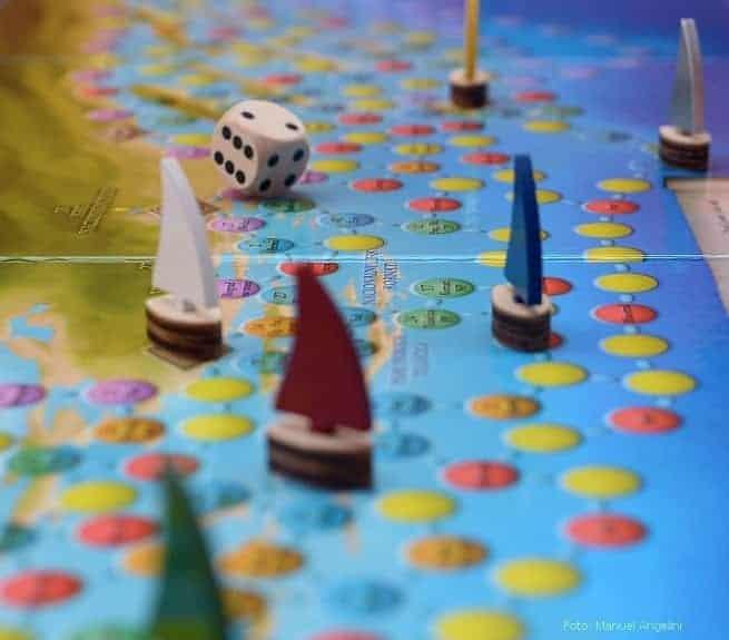 Die Figuren der Spiele sind aus Holz.