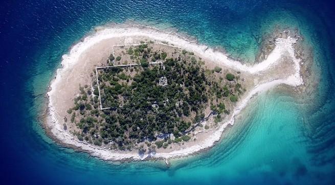 """Eine der Inseln des Brijuni Nationalparks. Screenshot aus """"Floating Memories"""""""