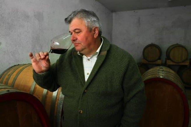 Giorgio Clai in seinem Weinkeller. 2001 schloss er sein Gasthaus in Triest, Italien und kehrte zurück nach Krasica. Foto: Istria-Gourmet.com