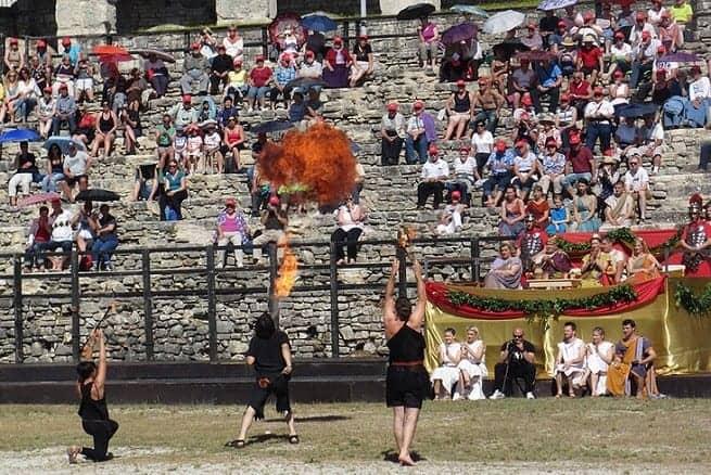 Gladiatorenspiele im Amphitheater Foto: InIstrien.de, Autor: Enio Pašalić