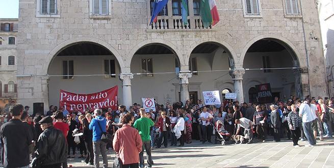 Der Komunal Palast (dient als Rathaus) heute Nachmittag. Foto: GradPula.com, Autor: Valter Žufić