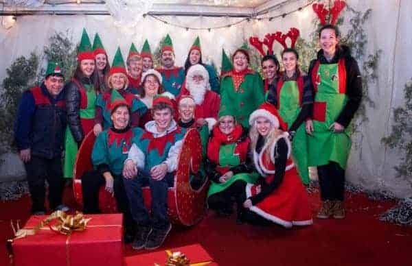 Das Team des Hauses des Weihnachtsmanns. Foto: Facebook