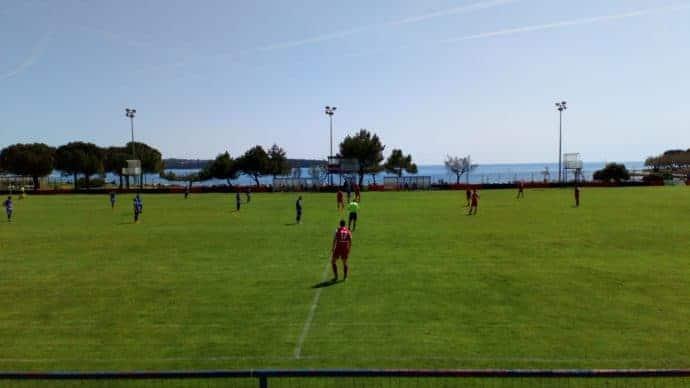 Istrien im Frühling - das Stadion des NK Novigrad