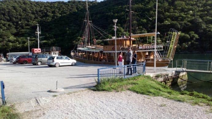 Ausflugsschiff im Lim Fjord