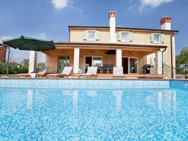 Die Villa Castagna der Familie Lizzul bei Nedešćina. Foto: ALR