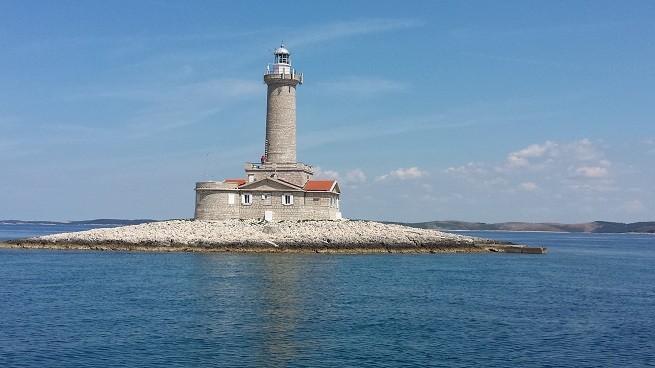 Auch dem Leuchtturm Porer kommt man beim Ausflug nahe.