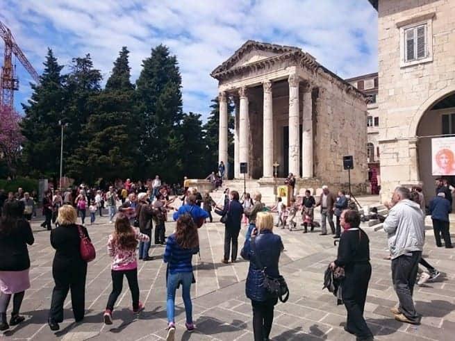 Auch auf dem Forum sieht man, dass der Sommer langsam naht. Foto: Enio Pašalić