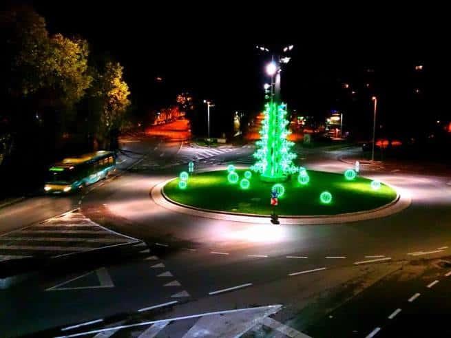 Am Kreisverkehr läuft's auch mit der Beleuchtung rund. Foto: Enio Pašalić