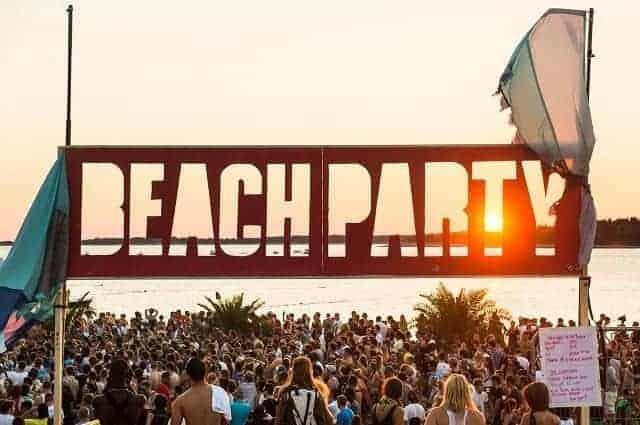 Party am Strand des Camps gegenüber der Brijuni Inseln. Foto: Marc Sethi
