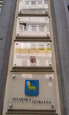 Die Vertretungen Istriens, des Landes Kärnten, der Region Friuli - Venezia Giulia und des Kantons Sarajewo befinden sich in der Rue de Commerce in Brüssel. Foto: V. Žufić