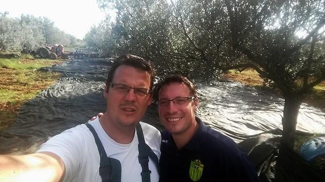 Links Sandi und rechts Tedi Chiavalon im Selfie