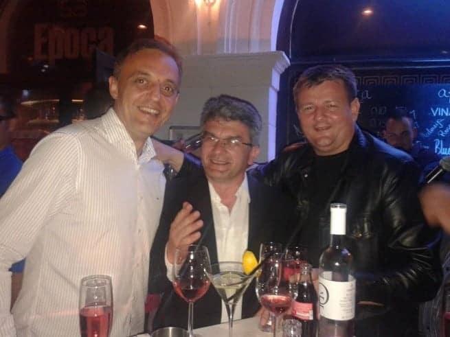 Herr Štifanić (mitte) ist zum Wohl der Stadt rund um die Uhr im Einsatz. Foto: Facebook