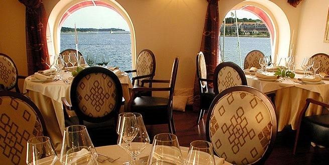 Auch im Winter bietet das Restaurant einen tollen Ausblick. Foto: svnikola.com