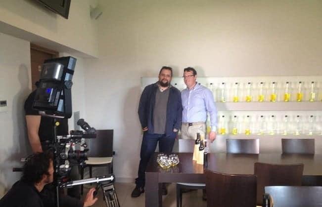 Tom Gretić und Sandi Chiavalon bei den Aufnahmen zur Reportage bei Chiavalon in Vodnjan. Foto: Facebook