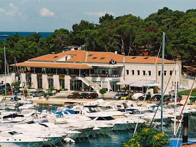 Das Restaurant Trošt liegt in der Marina von Vrsar. Foto: Istra.hr