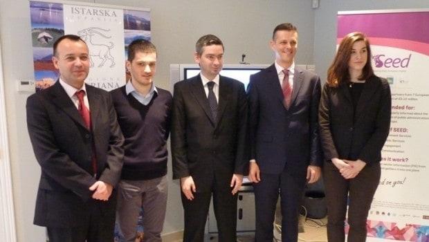 Dr. Boris Sabatti, Dino Babić, Boris Miletić, Valter Flego und eine Mitarbeiterin der Vertretung bei einem Besuch der Vertretung. Foto: istra-istria.hr