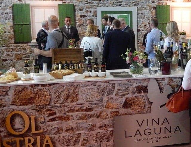 Messestand der Vina Laguna. Foto: InIstrien.hr, Autor: Enio Pašalić